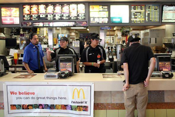 2,943,810- Es el número de trabajadores dedicados a la preparación de al...