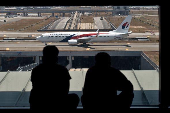 Un Boeing 777-200 de la aerolínea Malaysia Airlines despeg&oacute...