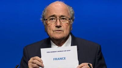 Blatter reveló a Francia como la sede del Mundial femenil de 2019.