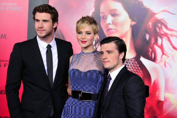 "Josh Hutcherson, actor de ""The Hunger Games"", mide 5 pies con 6 pulgadas..."