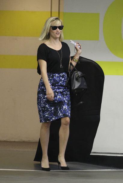 Reese Witherspoon fue a la tintorería por un vestido que al parecer es m...