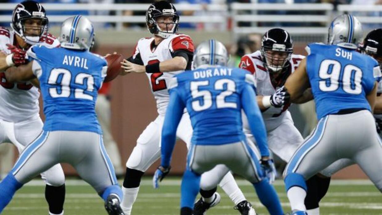 El QB de Atlanta completó 25 de 32 pases para 279 yardas, cuatro touchdo...
