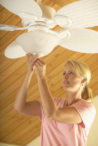 Cambia la dirección de tus ventiladores. Lo ideal es que los haga...