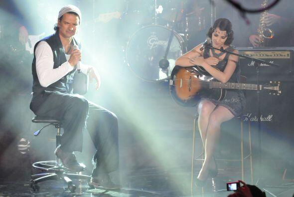Ricardo Arjona también llegó al Teletón para alegrar con su música.