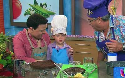 Tititito y su tío Raúl prepararon un pastel de chocolate con chef Pepin