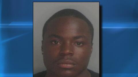 Arrestan al padre acusado de abandonar a su bebé en las instalaciones de...