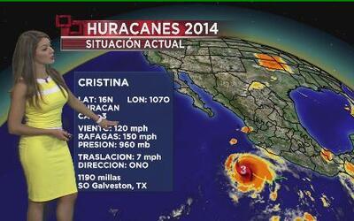 Cristina es huracán categoría 3