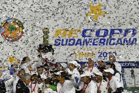 En el 2009 la Liga se aseguró el título de la Recopa Sudam...