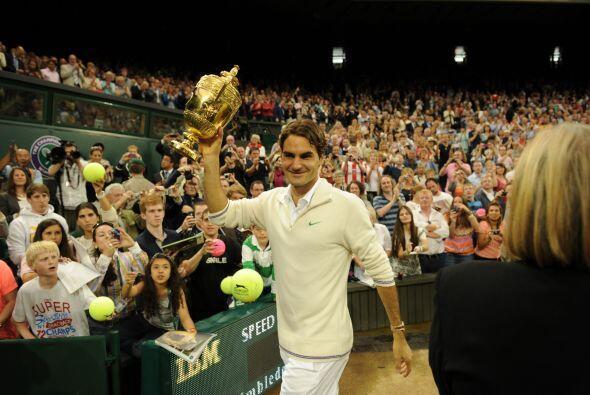 También Federer igualó el récord de semanas al fren...