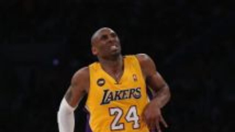 Kobe Bryant al momento de lesionarse.