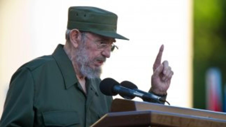 Vestido con traje y gorra verde olivo, Castro lanzó un mensaje dirigido...