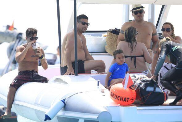 De repente, le entraron ganas de meterse al mar.