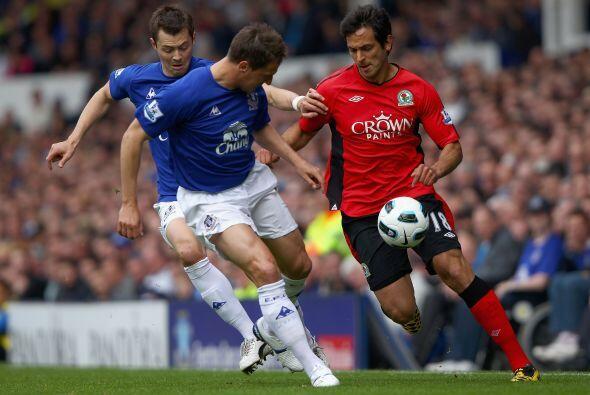 Everton superó 2 a 0 al Blackburn Rovers y sigue en la posición 7 en la...