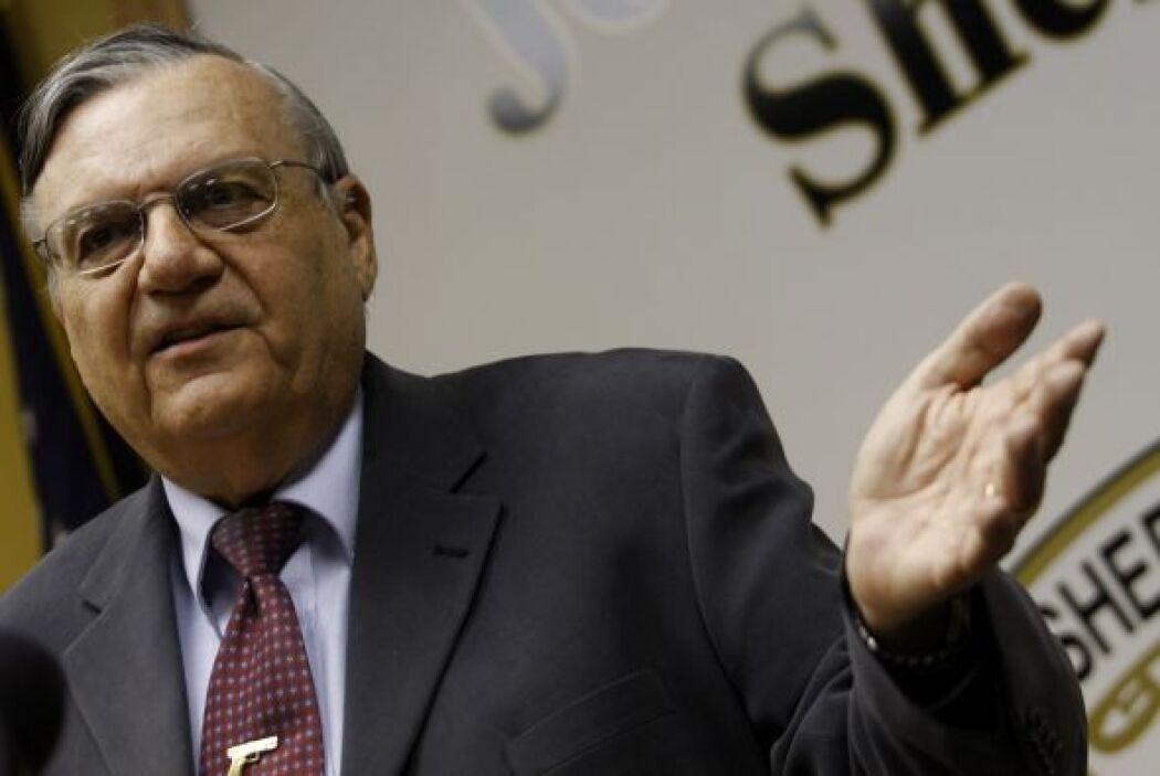 En diciembre, Arpaio se disculpó ante víctimas por las investigaciones q...