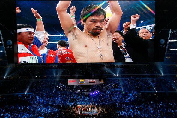 Y llegó la hora del combate. Manny Pacquiao lució bien con...