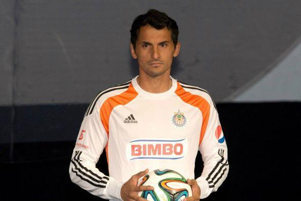 Otro que regresa al club es Luis Michel quien a sus 35 años busca un lug...