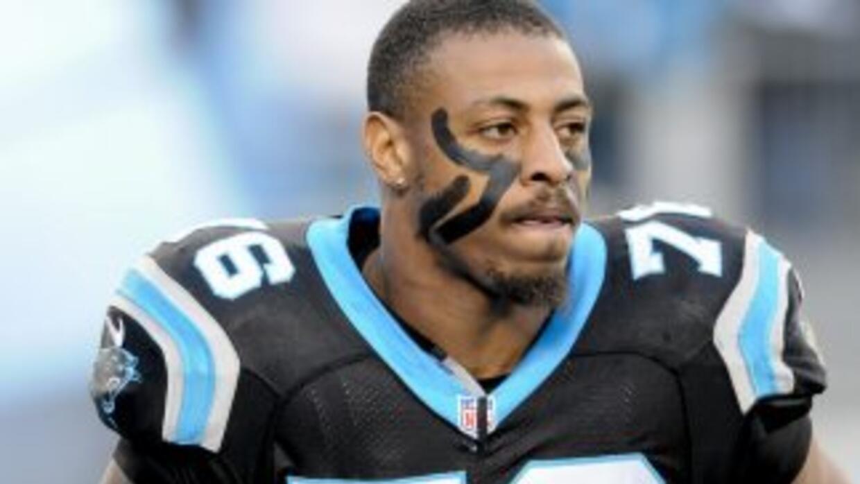 Greg Hardy quiere quedarse en los Panthers (AP-NFL).