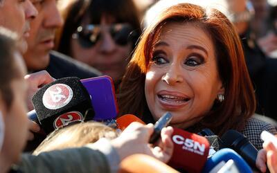 La expresidenta de Argentina, Cristina Fernández de Kirchner, hab...