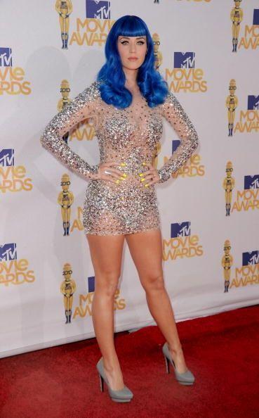 No conforme con su ropa, Katy Perry ha jugado y probado con todo tipo de...