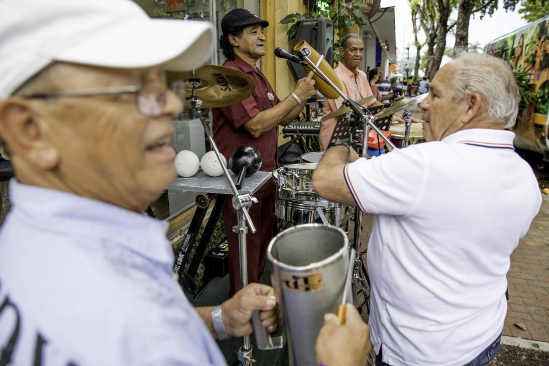 Carnaval Calle 8