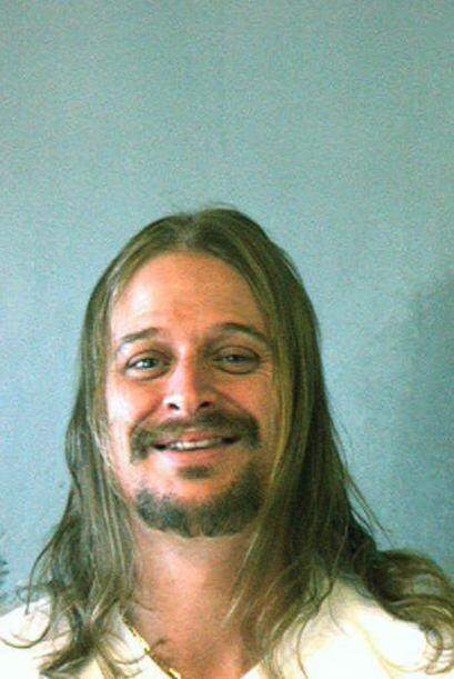 Robert J. Ritchie, mejor conocido como Kid Rock fue fichado el 21 de oct...