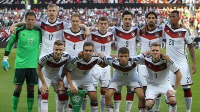 Marco Reus y Sami Khedira vuelven a una lista de convocados de Alemania.