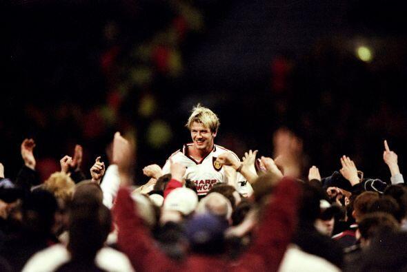 Con el Manchester United ganó cinco ligas inglesas, en 1996, 1997...