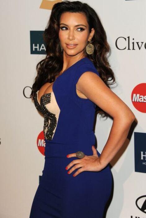 Kim Kardashian es una socialité que brincó a la fama por un escándalo se...