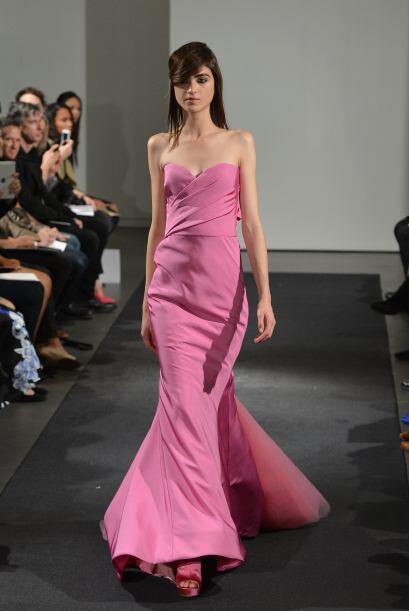 Es rosa más intenso logra llamar la atención de cualquiera, más si eres...