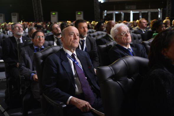 Los exprimeros ministros franceses, Lionel Jospin y Alain Juppé,...