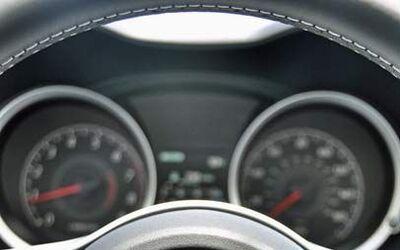 El enorme logotipo del volante hace que nunca nos olvidemos que manejamo...