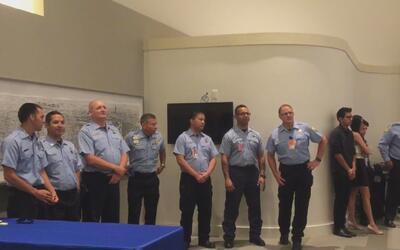 Bomberos del departamento de Houston son ascendidos
