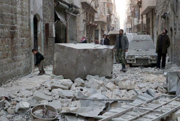 De esta cifra, unos dos millones viven sitiados en zonas a las que no se...