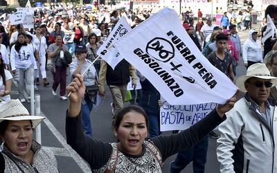 Protestas contra el gobierno de Peña Nieto y el aumento del preci...