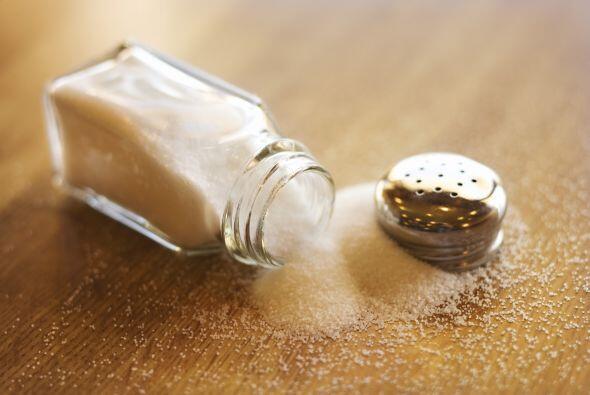 El sodio es un mineral que consumes mucho en la sal, lo más recomendable...