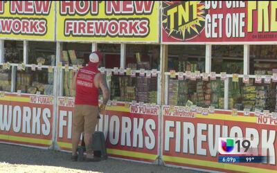 Inspeccionan puntos de venta de fuegos pirotécnicos