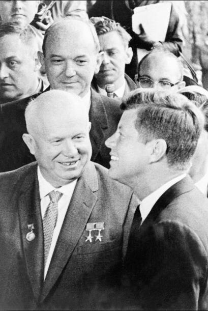 El 3 de junio de 1961 el presidente John F Kennedy bromeaba con Nikita K...