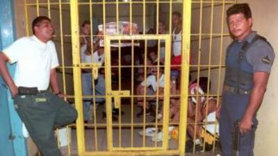 Las 19 cárceles que tiene El Salvador están sobrepobladas.