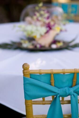 Las clásicas sillas 'tiffany' pueden ser decoradas con bandas de este co...