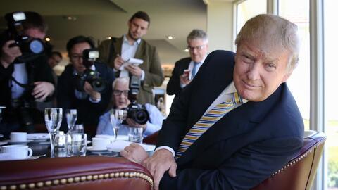 Donald Trump frente a la prensa el 8 de junio de 2015 en Turnberry, Esco...
