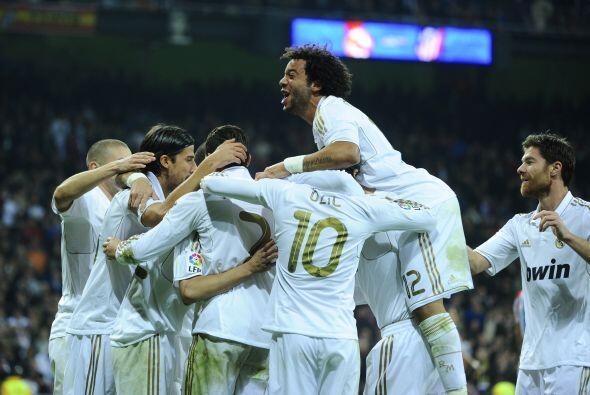 El Real Madrid sumaba un nuevo triunfo y festejaba con su público.