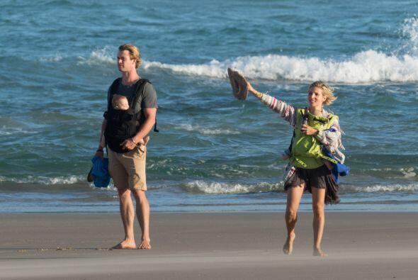Como se podrán dar cuenta, Chris y Elsa se reparten las tareas con los g...