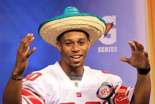 Víctor Cruz de los Giants, como buen hispano, también se puso un sombrer...