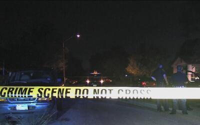 Encuentran cadáver en el patio trasero de una propiedad en San Antonio