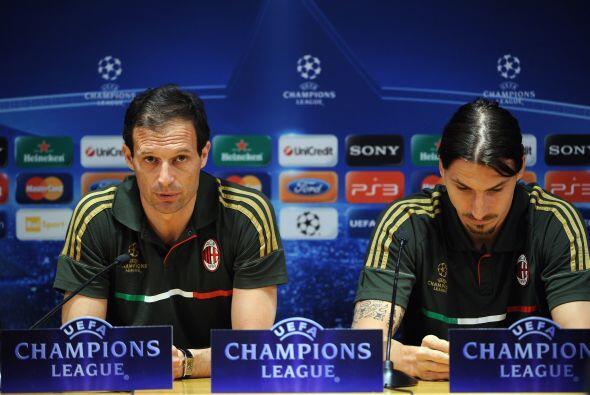"""""""Hay dos maneras (de jugar al Barça)"""", explica el entrenador milanés, Ma..."""