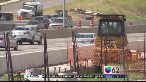Autopista MOPAC sigue con retrasos y esto genera caos vial a conductores