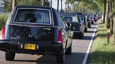 Holanda recibe 38 ataúdes más con los restos de las víctimas del MH17