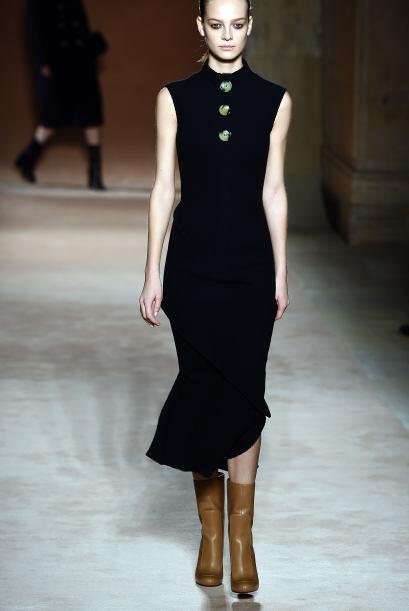 Black dress: Un imprescindible del guardarropa femenino, ya que puedes c...