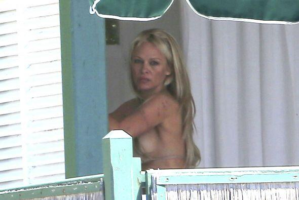 "Pamela se puso un coqueto bikini que le quedó ""como anillo al dedo"". Más..."