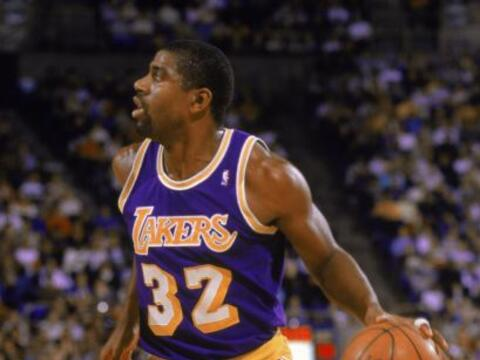 "Earvin ""Magic"" Johnson Jr. fue contratado por los Los Angeles..."